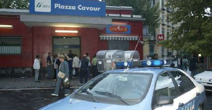 polizia cavour napoli