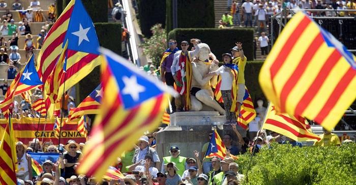 spagna segnalati episodi censura online durante referendum