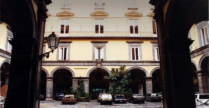 istituto italiano per gli studi storici napoli e1426083941558