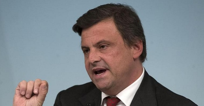 il ministro calenda firma ufficiale la fusione delle camere di commercio