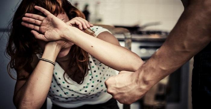 Napoli donna incinta picchiata dal compagno perde il bambino