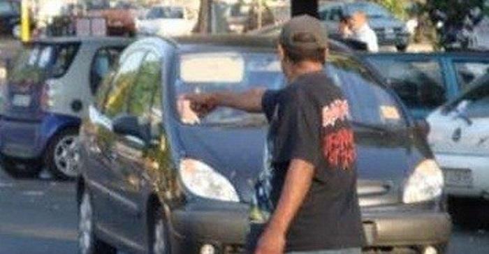 parcheggiatore abusivo napoli 4