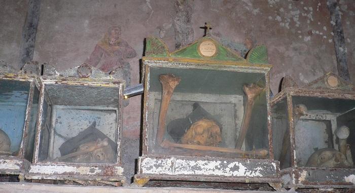 MUROLO ipogeo di S. Anna dei lombardi 031