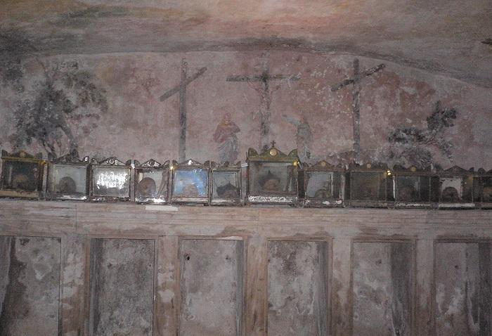 MUROLO ipogeo di S. Anna dei lombardi 034