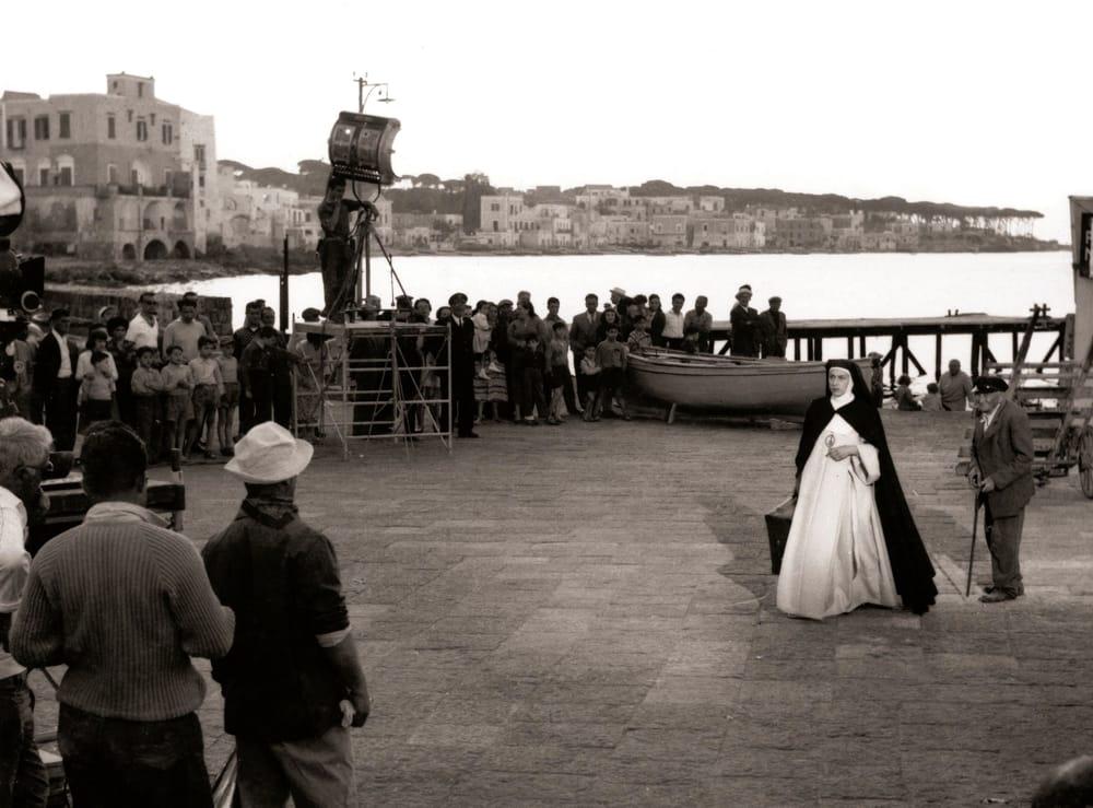 1956 Anna Magnani in Suor Letizia set Ischia 2