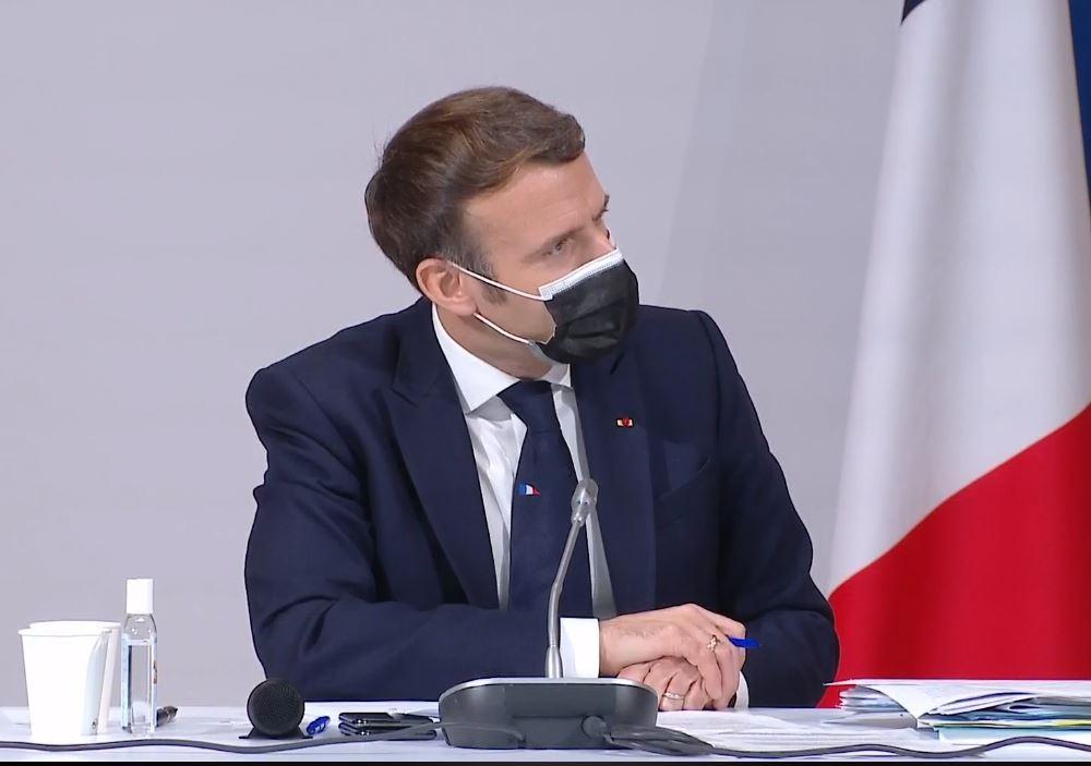 Emmanuel Macron indossa Maison Cilento 1780 Napoli