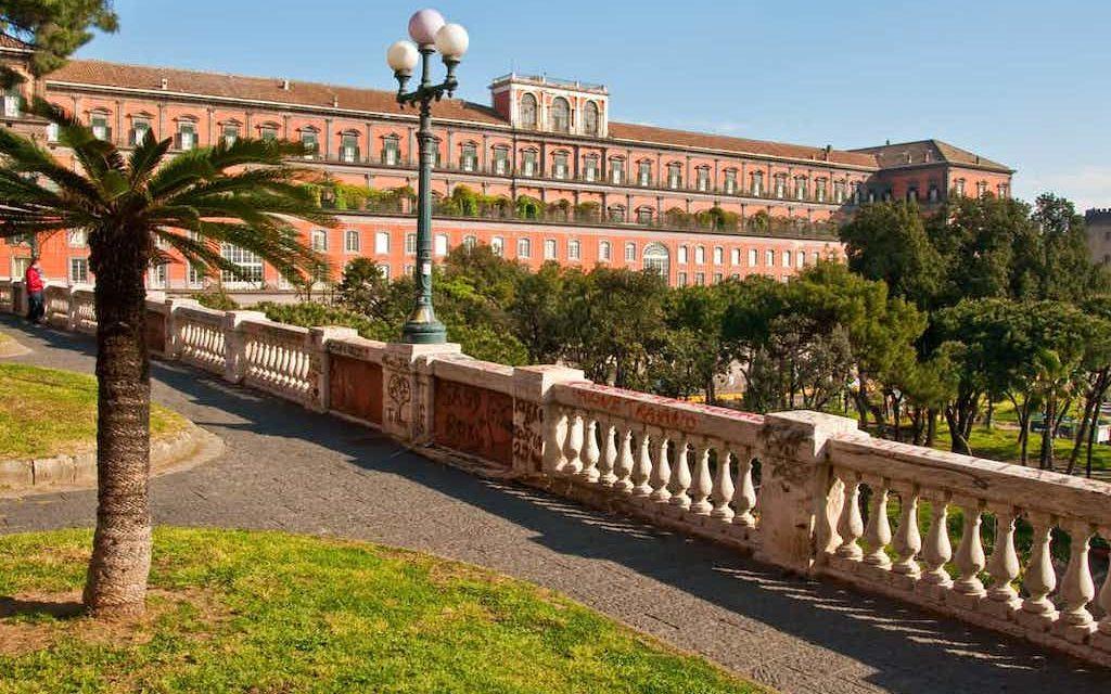 Palazzo reale di napoli 2 1024x640