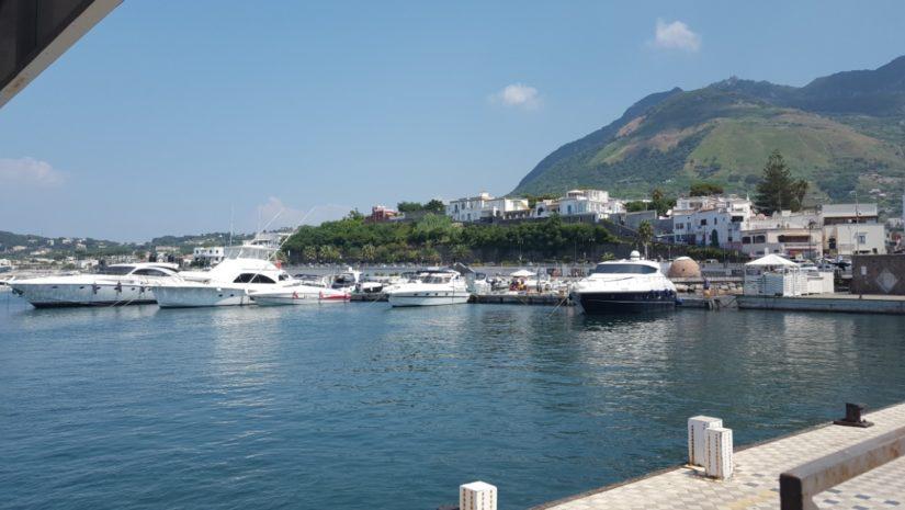 Visit Naples 825x465
